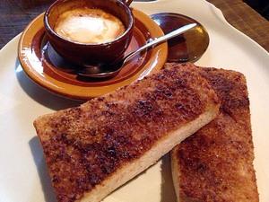 毎日でも通いたい谷中の古民家カフェ「花歩」の絶品シナモントースト他!洋楽流れるまったり空間、細やかな気配り、何から何まで最高!!