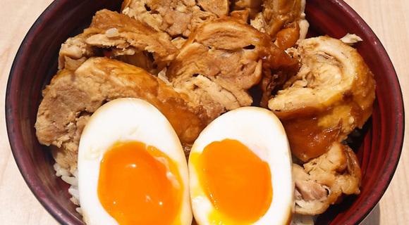 タダごとではない旨さの「鶏チャーシュー丼」の作り方