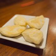 食べた瞬間に肉汁がブシャー!神楽坂の台湾餃子「白龍」は旨すぎてやみつきになるぞ