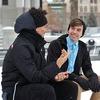 職場で聞き上手になるコツは傾聴・相槌・受容~話題は脈絡から探ろう
