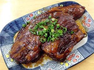 【沖縄】石垣島で最も有名な食堂「明石食堂」のトロトロ軟骨ソーキ肉&カツ丼と八重山そば