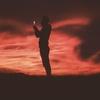 【洋楽】泣ける!限りある人生を讃える感動の名曲