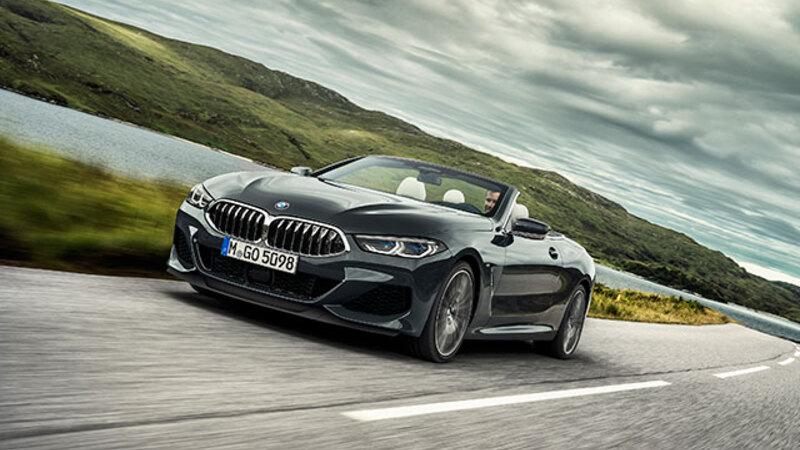 BMW 8シリーズに美しい4シーターカブリオレが登場、スポーツカーをも凌ぐ運動性能も魅力