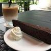 ネットショッピングしたり、広尾の天現寺カフェでスイーツ楽しんだり、近場でのんびりの4連休。