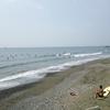 かろうじて残った波でサーフィン@茅ヶ崎