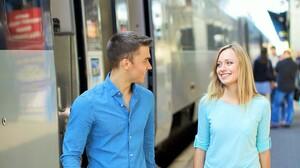 電車の乗り換えも3語でOK!外国からのお客さまを英語でおもてなし♪