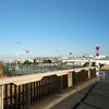 羽田の弁天橋から羽田空港・再開発予定地を眺める