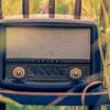 耳から情報を得るのって効率的かもしれない。私がテレビを見るのをやめてラジオを聴く理由。
