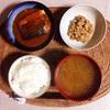 さば味噌煮、小粒納豆。