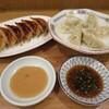 【千歳烏山】神戸の老舗店に学んだ「餃子てんほう!」の味噌ダレ餃子