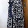 今日のドレス(紺金糸刺繍)