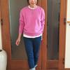 ユニクロのプレミアムラム|大人こそ着たいフューシャピンクのクルーネックニット