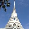 19番 緑の公園かと思ったら…初めて見たまるで寺院公園?のようなお寺 (1)