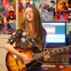 クネクネし陶酔して、ギターを弾いてる・・・・・美しい・・・・〜ギターは「顔」で弾くものだ!?〜