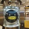 シンガポール 今1番人気のおみやげ IRVINS Salted Egg のFish Skin チップス