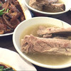 シンガポールローカルグルメ① バクテーは「松發肉骨茶」(ソンファ・バクテー)で