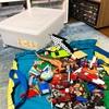 【レゴ収納】床に山積みの子どものレゴたち・・・