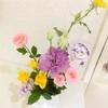 花と戯れ、心は晴々!
