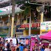プーケットのパトンビーチで毎晩開かれる、バンザーン市場のナイトマーケット