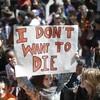集団レイプ、強姦ではなく性的虐待で有罪  各地で抗議デモ