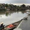 ホイアンのトゥボン川沿い、サイゴンビールで休憩