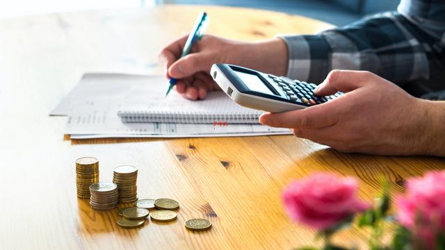 家計簿をつけているのに、お金がたまらないのは、なぜ?