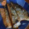 幸運な病のレシピ( 604 )朝:豚と那須の紫蘇炒め味噌味、鮭、昨日の汁にほうれん草入れ