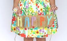 【Facebookで使える英語】周りの人がHAPPYになるフレーズを書いて幸福度を上げよう!