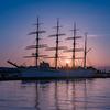 煙突からの日の出:海王丸