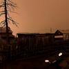 シベリアにあるサハ共和国で日中に3時間も突然太陽が消える謎の現象が発生!陰謀論もささやかれるが、現実的なラインは森林火災による煙や塵か!?