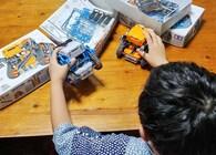 「自分で作ったロボットを動かしたい」という息子のために。親子でロボットプログラミングの沼にハマった話