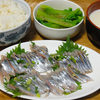 今日の食べ物 夜食に秋刀魚の刺身