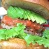 【赤羽駅】「COYOTE(コヨーテ)」でカリカリバンズに分厚い肉のハンバーガーに喰らいつこう!