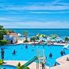 沖縄でウォータースライダー付きプールがあるホテルを探してみた