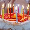 シェ・シバタのバスクチーズケーキで誕生日を祝う。