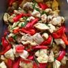 鶏肉とパプリカ、花にらの和カレー風味