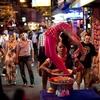 タイ 世界1の歓楽街 パタヤの規制 5年でバービア群を一掃? 女性たちはどうなるのか