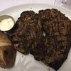 南アの魅力。それはステーキが安くて美味い。1kg ステーキがどーんと出てきてびっくり~ ワインも安くて感動