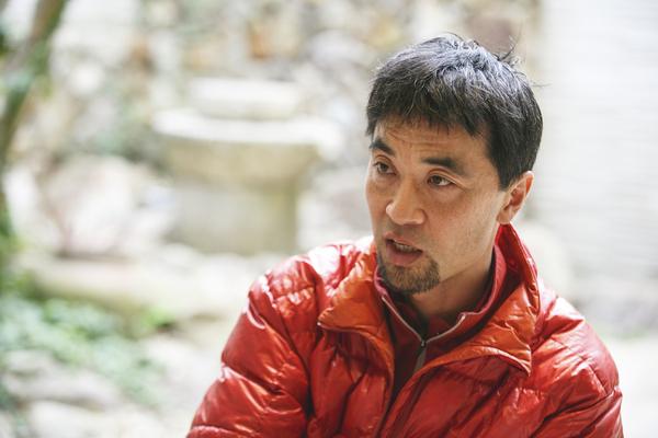 「社会の枠を出て、世捨て人になりたい」サバイバル登山家・服部文祥さん|クレイジーワーカーの世界