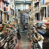 本棚からあふれた本を読みやすく整理する方法