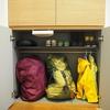 靴箱の上下段を公開。人別,使う頻度に合わせた収納。
