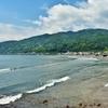伊東「宇佐美海水浴場」1.5kmつづくビーチ。ひろびろ遠浅で楽しめる!
