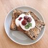 朝ご飯:チョコデニッシュトーストにちょい足しでカフェ気分☆息子の気分に振り回される母