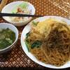 大島【バンコクカフェ トウキョウ】パッシイウ(タイ風醤油焼きそば) ¥600(税別)+大盛 ¥100(税別)