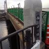 西浜橋の欄干が倒れた理由