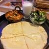 チーズナンとヨガ・ビデオ