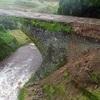 通潤橋、石垣の一部が崩落