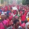 抗議活動が続くアフリカ トーゴで政府はインターネット接続を遮断