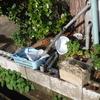 「庭いじりの贅沢」「湧清水」 メンテナンス  (5) 濾材替え太郎(1) 濾材(ろ材)が漏れたので戻した