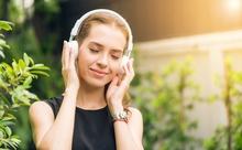 Podcast(ポッドキャスト)のバイリンガル番組で手軽に英語リスニング!レベル別おすすめ4選
